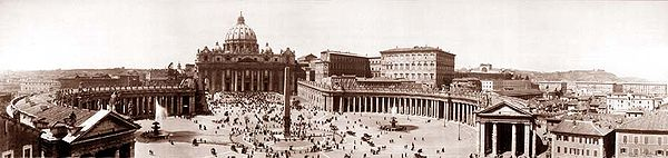 St Peter's Square, Bernini's colonnades, The Basilica 1910